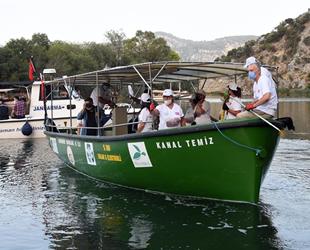 Kanal Temiz teknesi, Dalyan'da temizliğe başladı