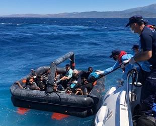 Çeşme açıklarında 26 göçmen kurtarıldı