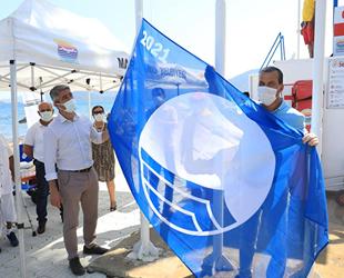Marmaris Belediyesi Halk Plajı, tatilcileri bekliyor