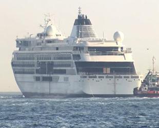 'Viking Octantis' keşif gemisi, İstanbul Boğazı'ndan geçti