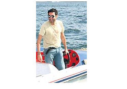 Boğaz'da teknesi battı!...