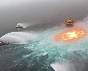 Meksika Körfezi'ndeki yangına şimşek fırtınası yol açtı