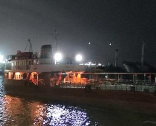 Maltepe sahilinde demirli olan gemide yangın çıktı