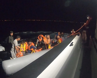 Ayvalık'ta 42 düzensiz göçmen kurtarıldı