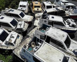 Deniz taksiler, çürümeye terk edildi