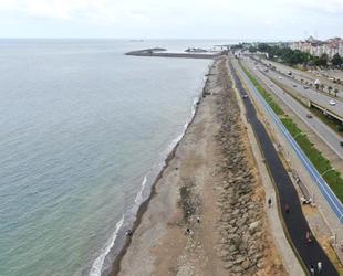 Trabzon'da kaybolan plaj yeniden ortaya çıktı