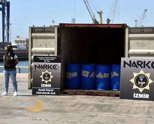 Aliağa Limanı'nda uyuşturucu imalatında kullanılan 26 ton kimyasal ele geçirildi