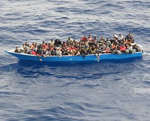 TCG Gediz fırkateyni, Tunus açıklarında 80 göçmeni kurtardı