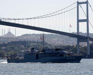 Mayın arama gemileri, peş peşe İstanbul Boğazı'ndan geçti