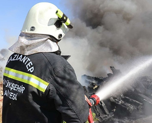Gaziantep'teki yangında 17 adet tekne yandı