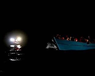 Tunus açıklarında 394 düzensiz göçmen kurtarıldı