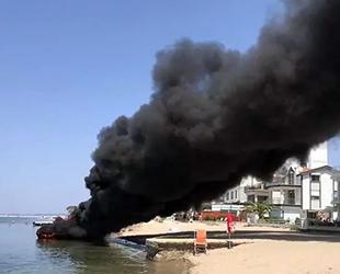 Altınova'da teknede yangın çıktı: 4 yaralı