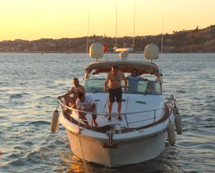 Ambarlı açıklarında arızalanan tekne, West İstanbul Marina'ya çekildi