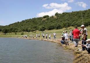 Geleneksel olta balıkçılığı yarışması heyecanı