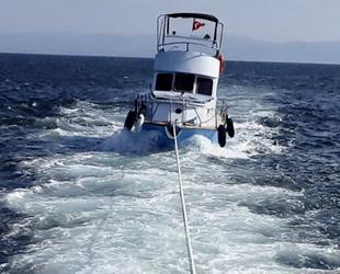 Makine arızası yapan tekne, Büyükada açıklarında sürüklendi