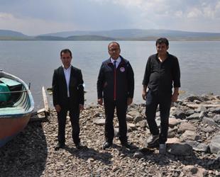 Kars'ta göllere 2 milyon adet sazan yavrusu bırakıldı