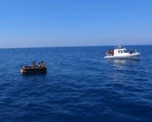 İzmir açıklarında 13 düzensiz göçmen kurtarıldı