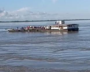 Hindistan'da seyir halindeki tekneler çatıştı: 41 kişi kurtarıldı