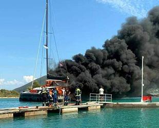 Lefkada Limanı'nda Magnum Opus isimli katamaranda yangın çıktı