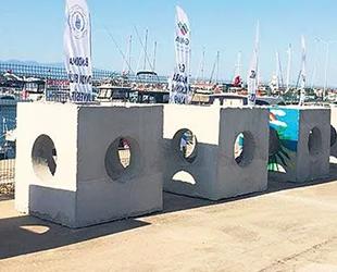 Balıklar için beton yapay resifler denize bırakıldı