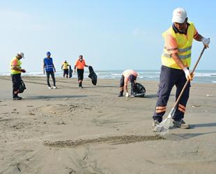 Mersin sahillerinde petrol sızıntısı temizliği yapıldı