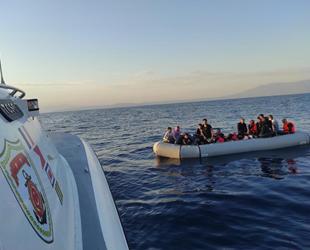 İzmir açıklarında 49 düzensiz göçmen kurtarıldı