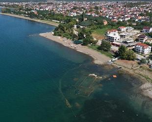 İznik Gölü'nde su çekildi, bazilika ortaya çıktı