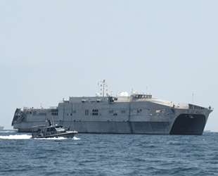 ABD savaş gemisi Choctaw County, Lübnan'a demir attı