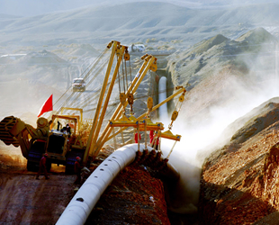 Çin, Batı-Doğu Gaz Boru Hattı'nın inşasına başladı