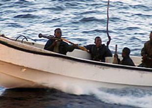 Korsanlar Aden Körfezi'nde İran tankerine saldırdı