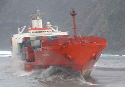 Hollanda gemisi karaya oturtuldu