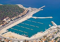 Çeşme Yat Limanı'na 8 teklif