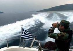 Kaçakçılar Yunan botlarına ateş açtı