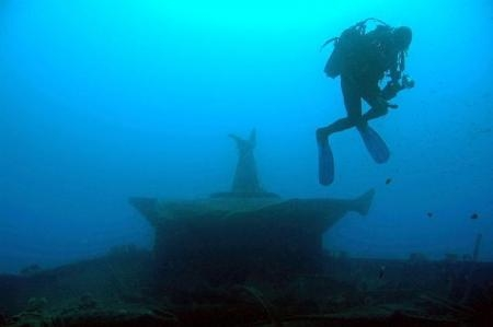 Dalgıçlar ABD denizaltısını buldu