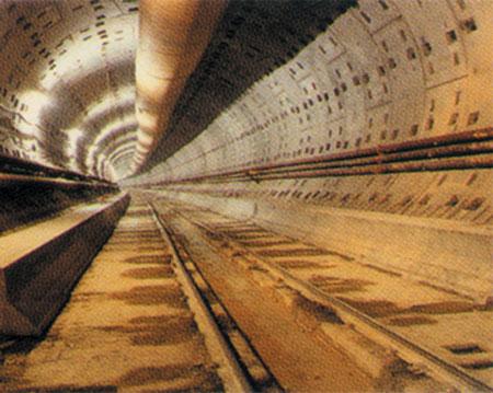 Manş Tüneli'nde korkutan yangın