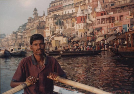 Hindistan'da tekne kazası: 30 ölü