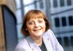 Almanya Başbakanı sıkmaya başladı