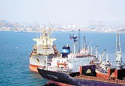 Aliağa 3.422 gemiyi misafir etti