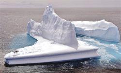 Bin dolara yüzen buz ada turu
