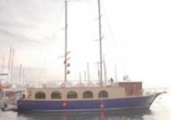 Restorant tekneler Kuveyt'e yola çıktı