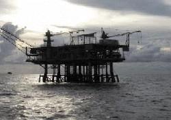 İngilizler Kıbrıs'ta petrol arıyor