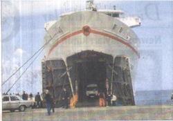 Yolcular limanda mahsur kaldı