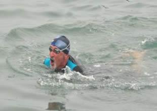 Yarışlara hazırlanan Türk yüzücüler iddialı