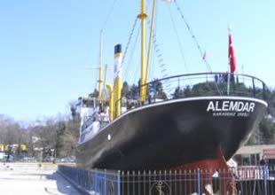 Alemdar Gemisi'ne İstiklal Madalyası