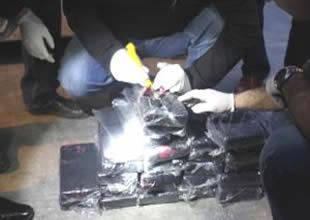 Limanda 235 kilogram kokain yakalandı