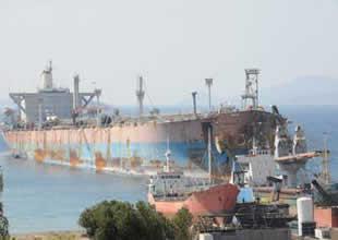 Aliağa'da geçen yıl sökülen 203 gemiden 587 bin ton demir çelik ekonomiye kazandırıldı