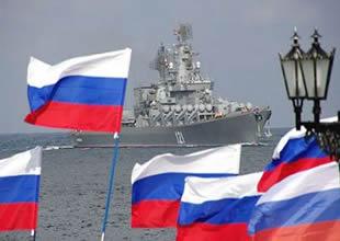Suriye'ye giden Rus gemileri Beyrut'ta