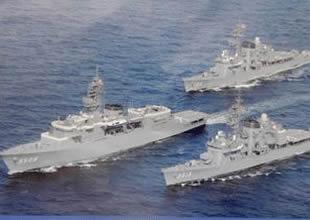 Çin Donanması Batı Pasifik sularında
