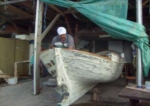 Tekne tamiri ustaları  yok olmak üzere