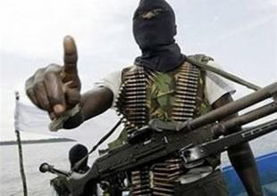 Somalili korsanlar gemi kaptanını öldürdü